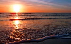 onda_spiaggia_tramonto
