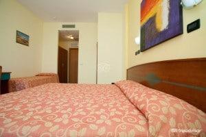 triple-room-sea-view--v8225172