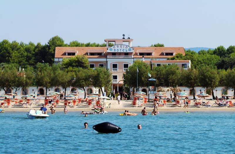 Prenota le tue vacanze  2018 in Hotel, in residence  in Puglia, nel Gargano a Rodi Garganico