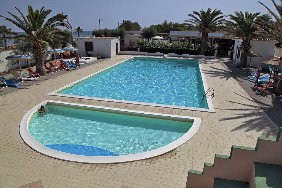 LAST MINUTE  6 luglio – 10 agosto pensione completa, formula residence, a pochi metri dal mare, a prezzi SCONTATISSIMI, in Puglia, nel Gargano a Rodi Garganico